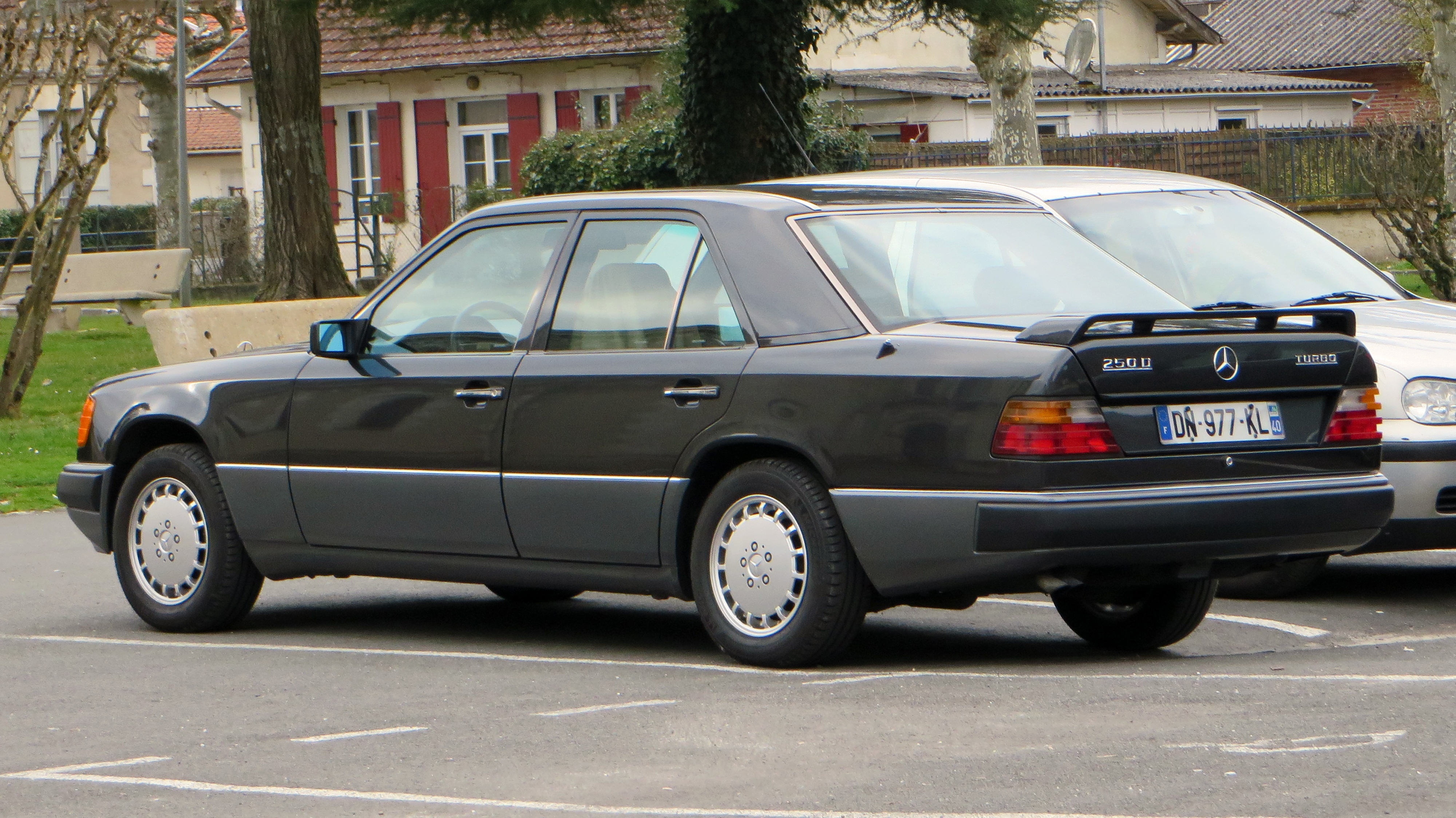 Mercedes Benz W124 Modified Elegant Filemercedes Benz 250d Turbo France 19058643049 Wikimedia-1277 Of Luxury Mercedes Benz W124 Modified