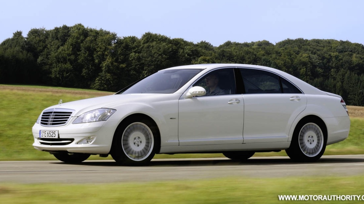 mercedes rolls out s320 cdi blueefficiency