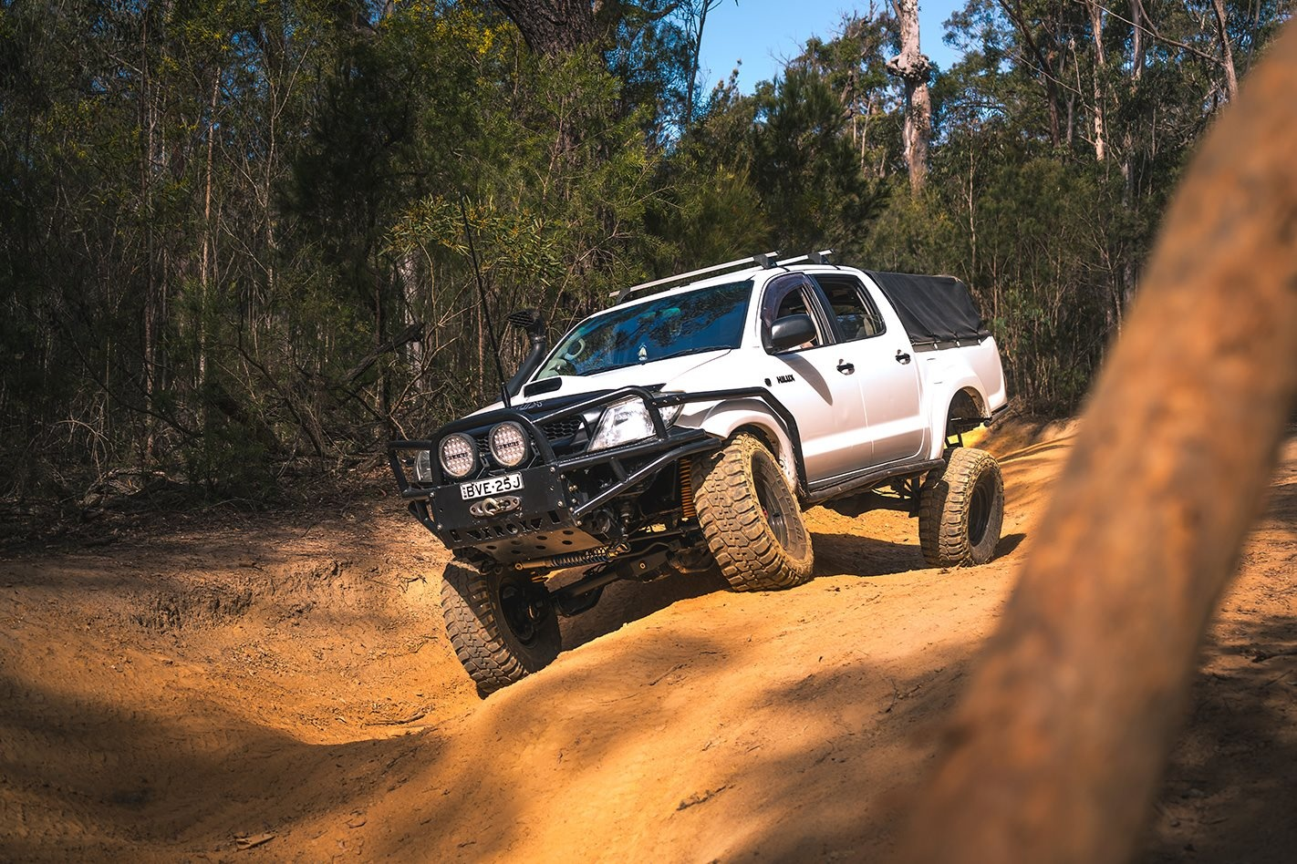 custom 2006 toyota hilux review